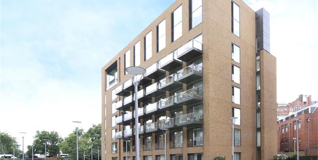 Asking Price £1,375,000, 2 Bedroom Flat For Sale in London, SW1W
