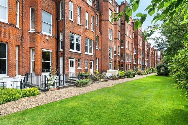Asking Price £1,275,000, 2 Bedroom Flat For Sale in London, SW1W