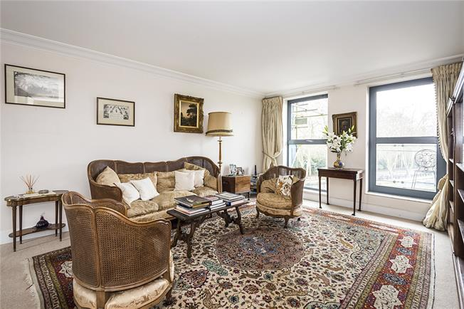 Asking Price £1,150,000, 2 Bedroom Flat For Sale in London, SW1W