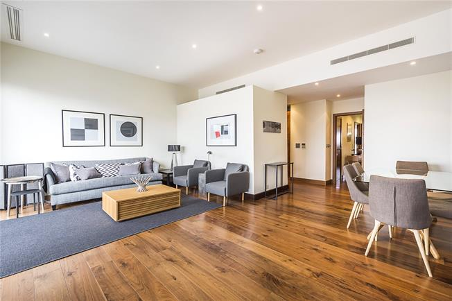 Asking Price £1,100,000, 2 Bedroom Flat For Sale in London, SW11