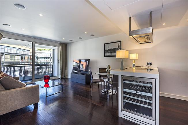 Asking Price £1,350,000, 2 Bedroom Flat For Sale in London, SW1W