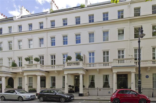 Asking Price £925,000, 1 Bedroom Flat For Sale in London, SW1W