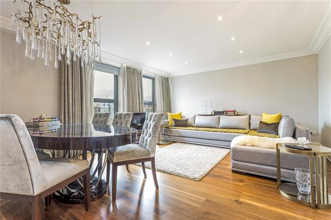 Asking Price £1,400,000, 2 Bedroom Flat For Sale in London, SW1W
