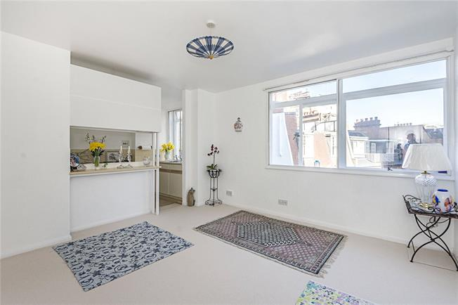 Asking Price £495,000, Flat For Sale in London, SW1W