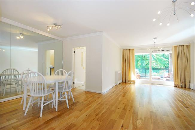Asking Price £1,250,000, 2 Bedroom Flat For Sale in London, NW8