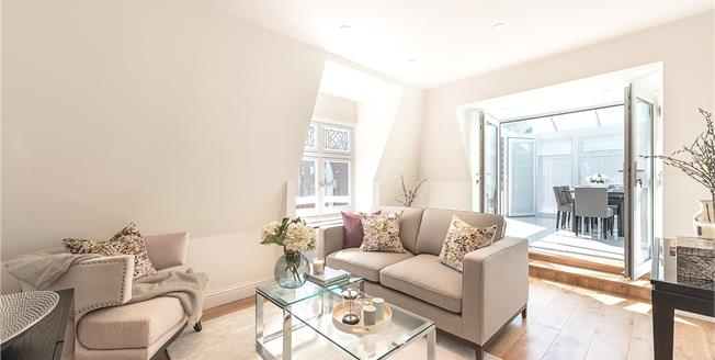 Asking Price £1,499,950, 2 Bedroom Flat For Sale in London, NW8