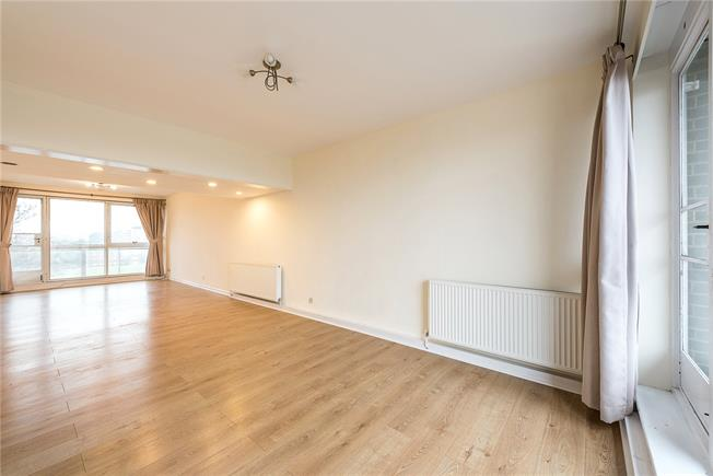 Offers in excess of £800,000, 2 Bedroom Flat For Sale in London, NW8