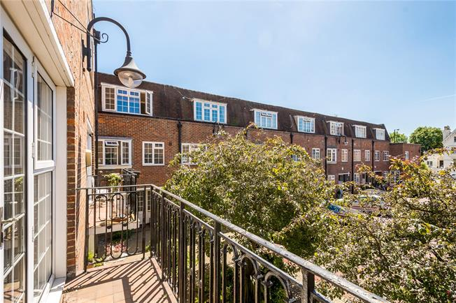 Asking Price £2,450,000, 3 Bedroom Terraced House For Sale in London, W9