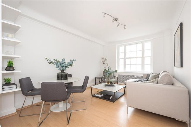 Asking Price £637,500, 2 Bedroom Flat For Sale in London, NW1
