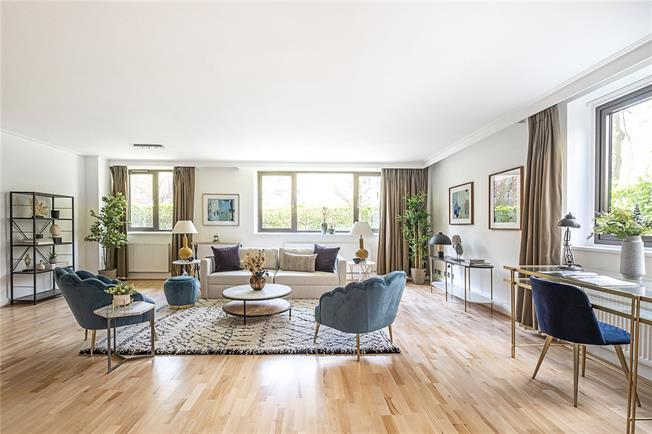 Asking Price £1,950,000, 3 Bedroom Flat For Sale in London, NW8