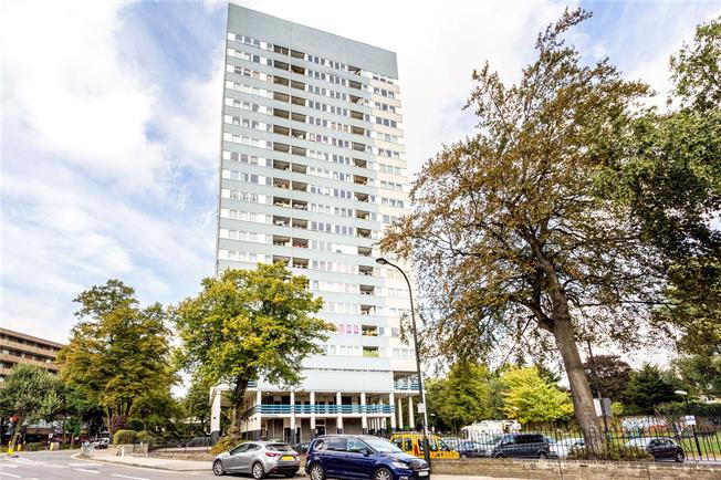 Asking Price £339,950, 2 Bedroom Flat For Sale in London, NW6