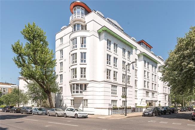 Asking Price £1,225,000, 2 Bedroom Flat For Sale in London, W9