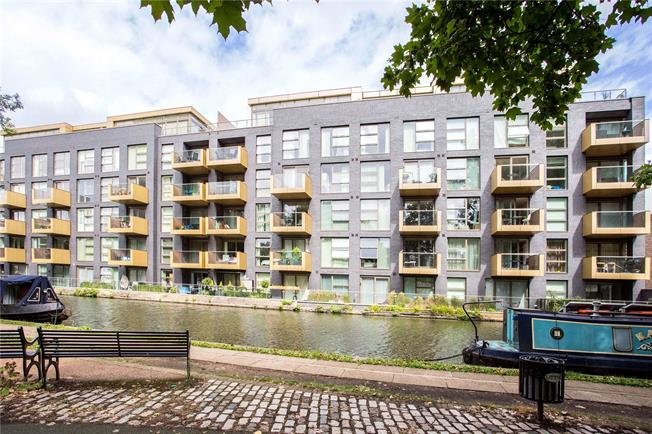 Asking Price £1,840,000, 3 Bedroom Flat For Sale in London, W9