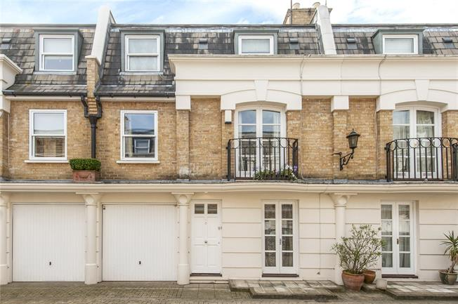 Asking Price £1,570,000, 3 Bedroom Mews House For Sale in London, W9