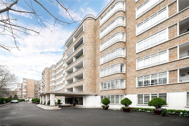 Asking Price £3,350,000, 3 Bedroom Flat For Sale in London, NW8
