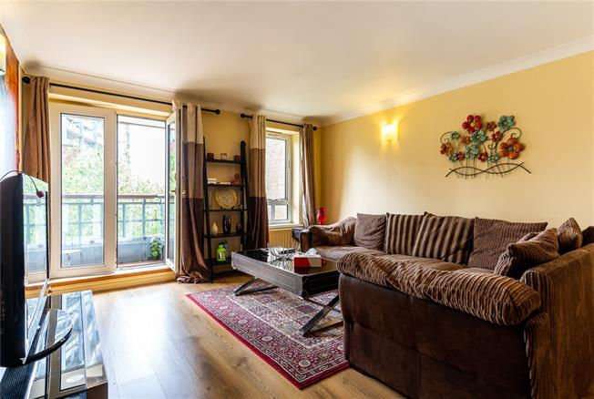 Asking Price £479,000, 1 Bedroom Flat For Sale in London, W9
