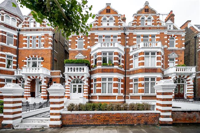 Asking Price £1,485,000, 2 Bedroom Flat For Sale in London, NW8