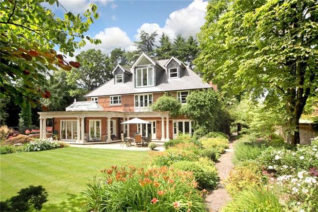 Guide Price £2,995,000, 5 Bedroom Detached House For Sale in Berkshire, SL5