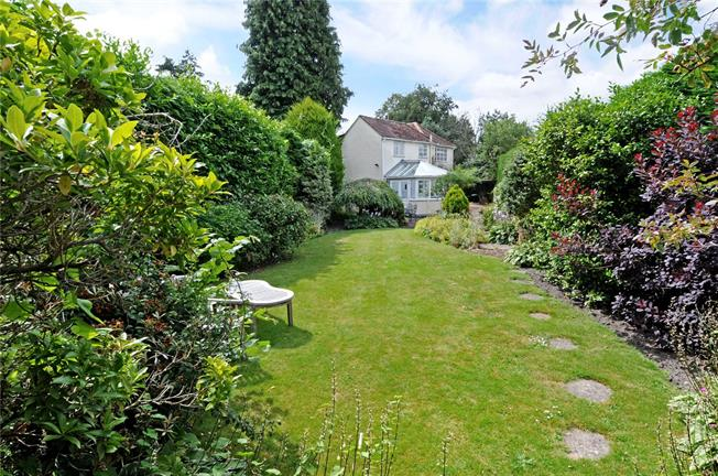 Guide Price £779,950, 4 Bedroom Detached House For Sale in Windlesham, GU20