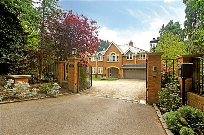 Guide Price £1,550,000, 5 Bedroom Detached House For Sale in Virginia Water, GU25