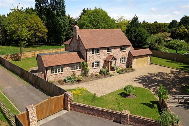 Guide Price £1,300,000, 4 Bedroom Detached House For Sale in Bisley, GU24