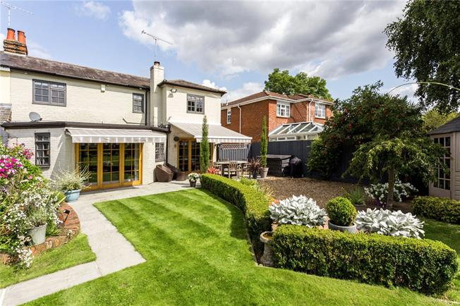 Guide Price £675,000, 4 Bedroom Semi Detached House For Sale in Winkfield, Berkshire, SL4