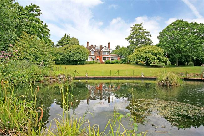 Guide Price £4,000,000, 10 Bedroom Detached House For Sale in Chobham, GU24