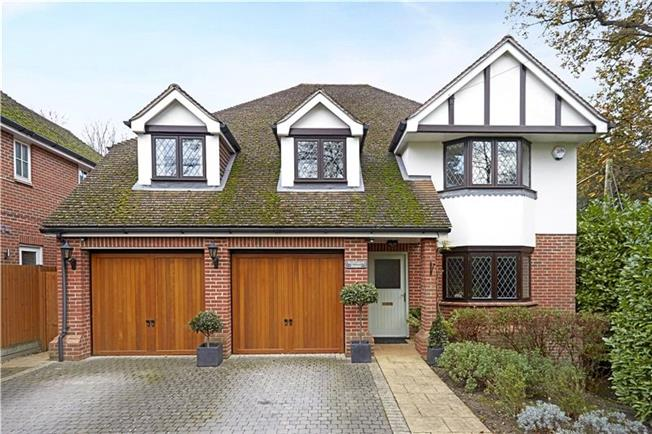 Asking Price £1,175,000, 5 Bedroom Detached House For Sale in Ascot, SL5