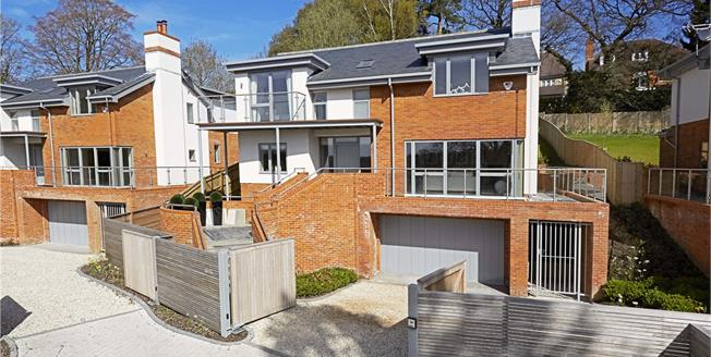Guide Price £1,450,000, 4 Bedroom Detached House For Sale in Ascot, Berkshire, SL5
