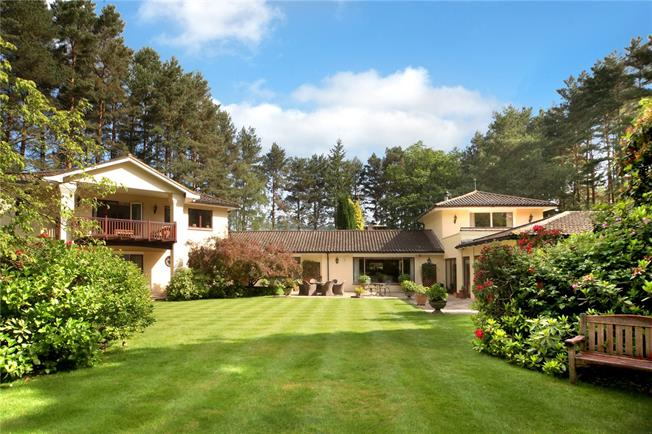 Guide Price £3,750,000, 5 Bedroom Detached House For Sale in Ascot, SL5