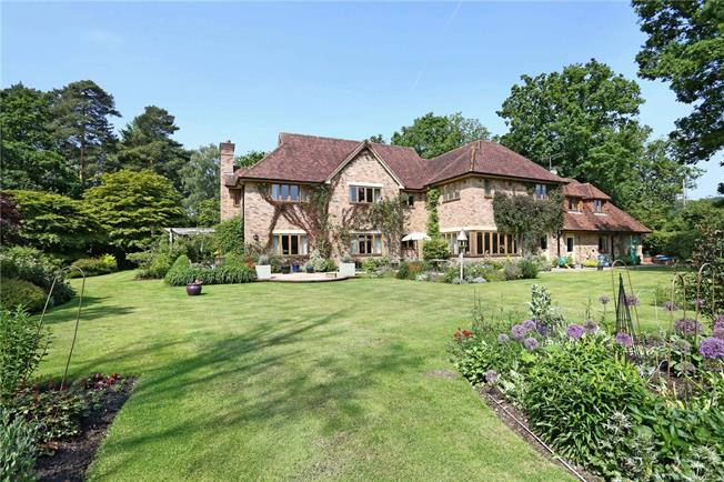 Guide Price £2,450,000, 5 Bedroom Detached House For Sale in Ascot, SL5