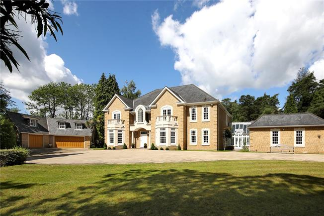 Guide Price £3,295,000, 5 Bedroom Detached House For Sale in Windlesham, GU20