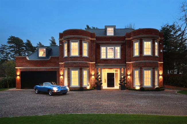 Guide Price £3,299,950, 5 Bedroom Detached House For Sale in Ascot, SL5