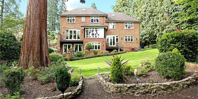 Guide Price £1,725,000, 6 Bedroom Detached House For Sale in Ascot, SL5