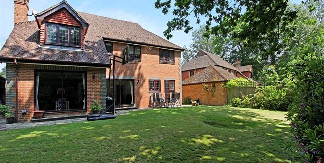 Asking Price £1,350,000, 5 Bedroom Detached House For Sale in Sunningdale, Berkshire, SL5