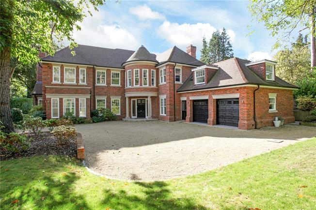 Guide Price £2,950,000, 5 Bedroom Detached House For Sale in Berkshire, SL5