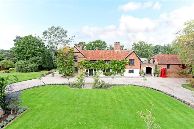 Guide Price £3,250,000, 5 Bedroom Detached House For Sale in West End, GU24