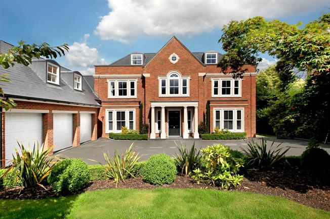Guide Price £3,900,000, 6 Bedroom Detached House For Sale in Berkshire, SL5