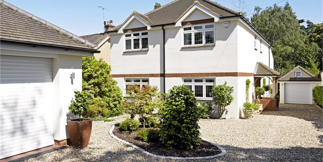 Guide Price £1,395,000, 5 Bedroom Detached House For Sale in Berkshire, SL5