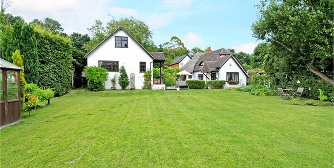 Guide Price £975,000, 3 Bedroom Detached House For Sale in Windlesham, GU20
