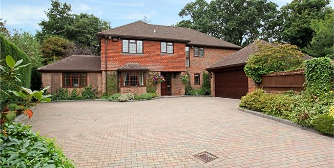 Guide Price £1,350,000, 5 Bedroom Detached House For Sale in Ascot, Berkshire, SL5