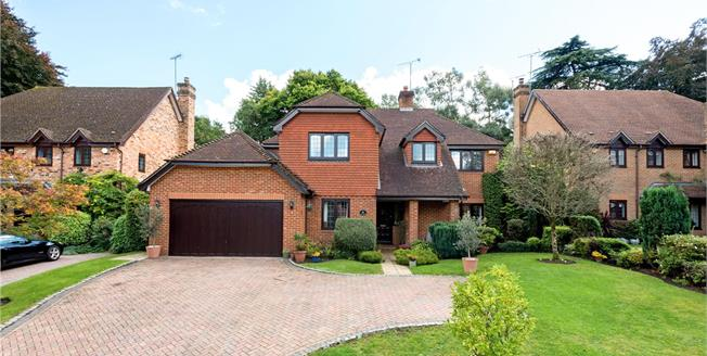 Guide Price £1,245,000, 5 Bedroom Flat For Sale in Ascot, SL5
