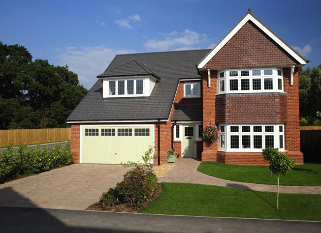 Guide Price £844,950, 5 Bedroom Detached House For Sale in Bisley, Surrey, GU24