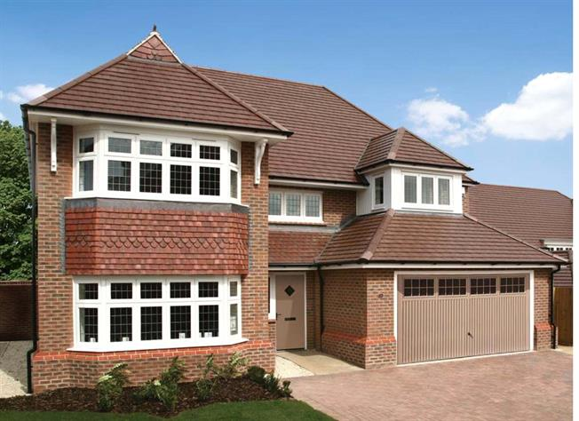 Guide Price £879,950, 4 Bedroom Detached House For Sale in Woking, Surrey, GU24