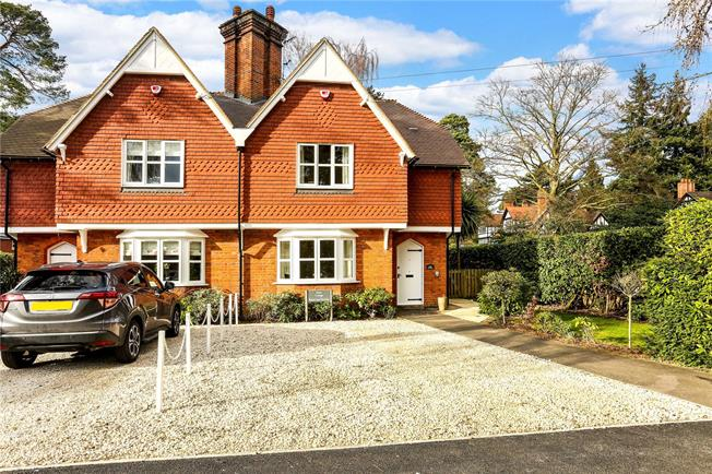 Guide Price £530,000, 2 Bedroom Semi Detached House For Sale in Sunningdale, Berkshire, SL5