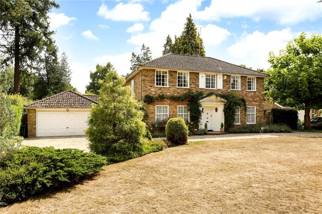 Offers in excess of £1,300,000, 4 Bedroom Garage For Sale in Ascot, SL5