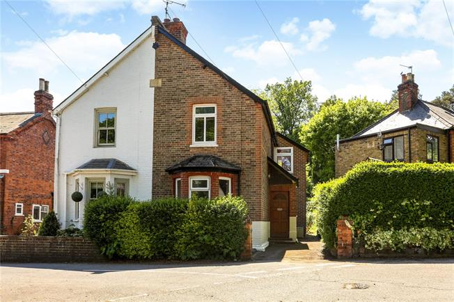 Guide Price £500,000, 3 Bedroom Semi Detached House For Sale in Ascot, SL5