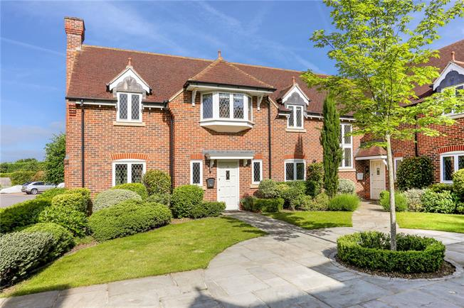 Guide Price £750,000, 3 Bedroom Semi Detached House For Sale in Winkfield, Windsor, SL4