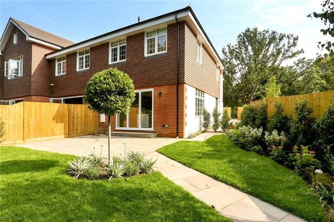 Guide Price £1,250,000, 4 Bedroom Semi Detached House For Sale in Berkshire, SL5