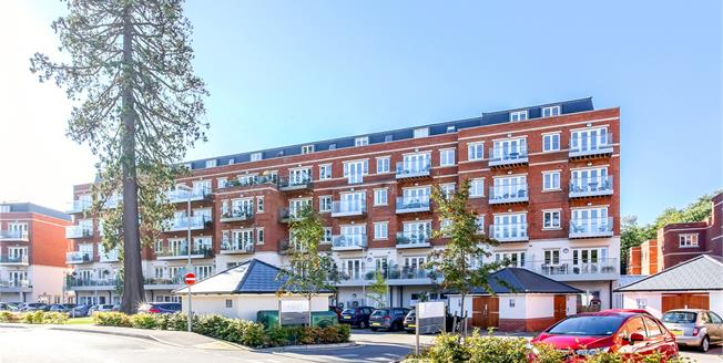 Guide Price £660,000, 2 Bedroom Flat For Sale in Rise Road, Sunninghill, SL5